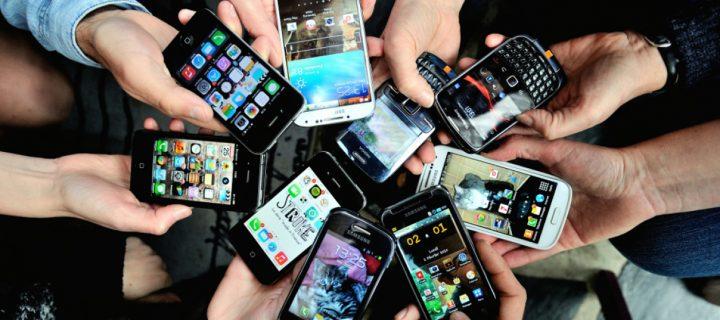 Pourquoi sommes-nous accros à nos téléphones portables?