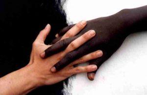 racisme-main